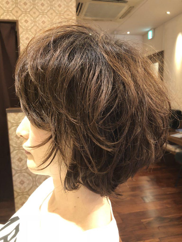 髪の癖毛も使い方次第でスタイリングが超簡単に!