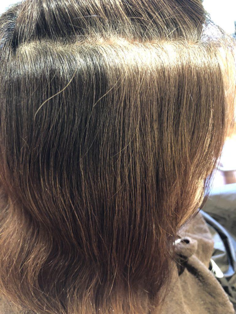 着々と白髪が黒髪に変わってきてます!水素トリートメント継続結果。